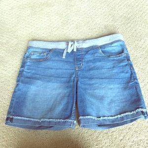 Stretchy shorts